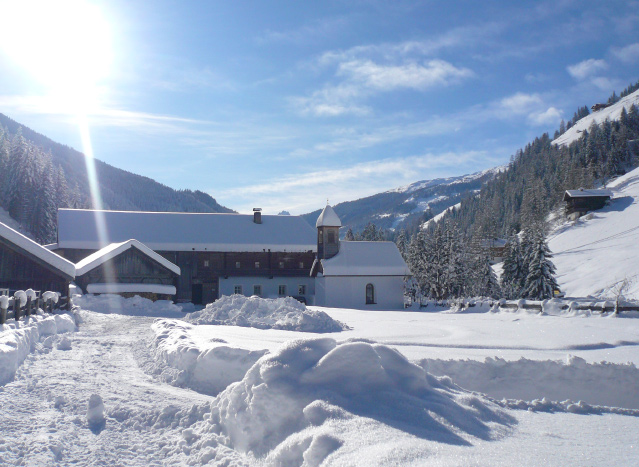 schneegeräumter Wurzerhof